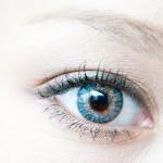 まぶたの腫れの原因!目のむくみ?腫れの原因と治し方!